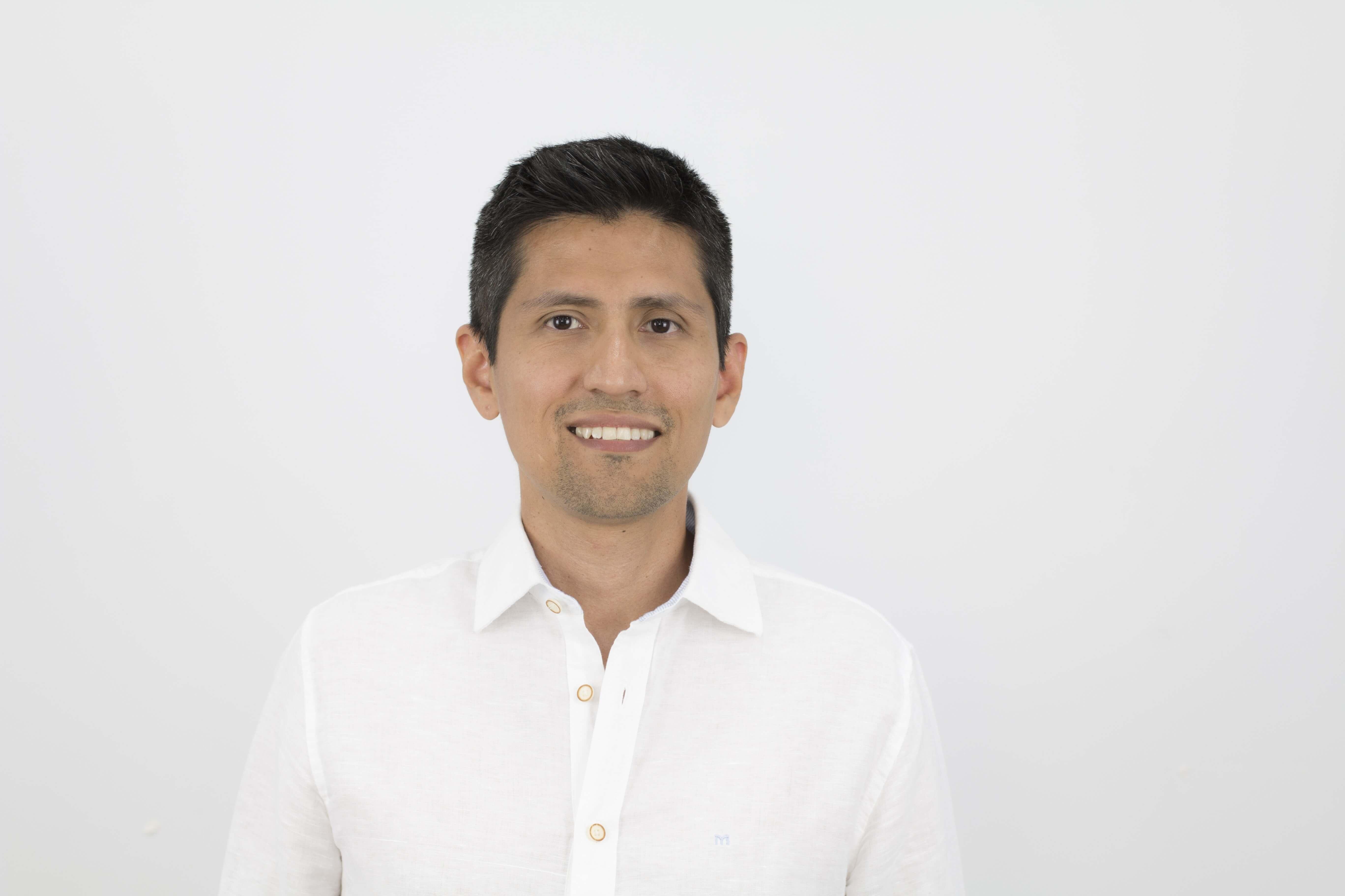 Sebastián Flores